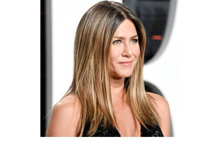 rs_1024x759-170315150140-1024.Jennifer-Aniston-Drinkable-Collagen